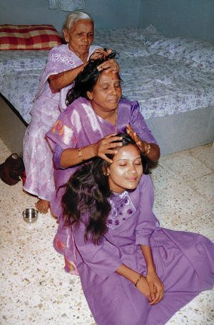 Formation en Massage Indien du Crâne - Champissage